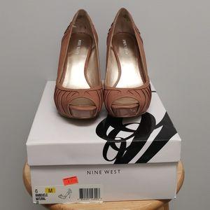 *SOLD* Nine West Natural heels